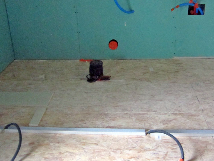 Forum carrelages refaire rev tement sol de salle de bains - Revetement sol salle de bain ...