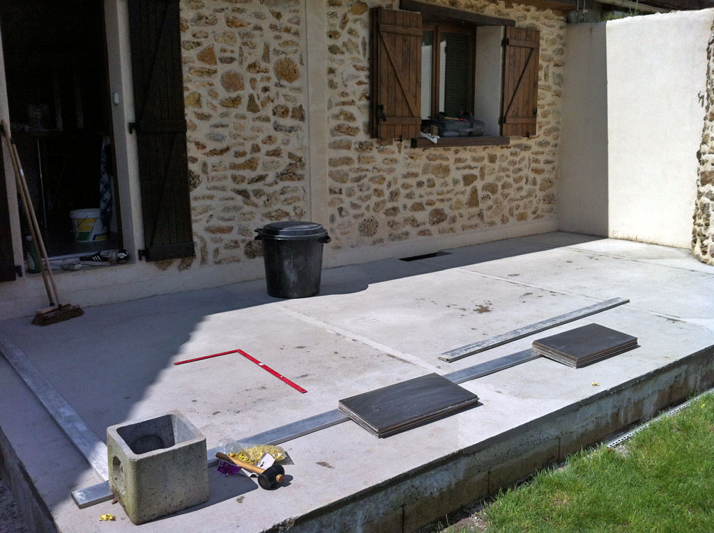 Joints de carrelage ext rieurs blanchis conseils des for Machine a joint de carrelage