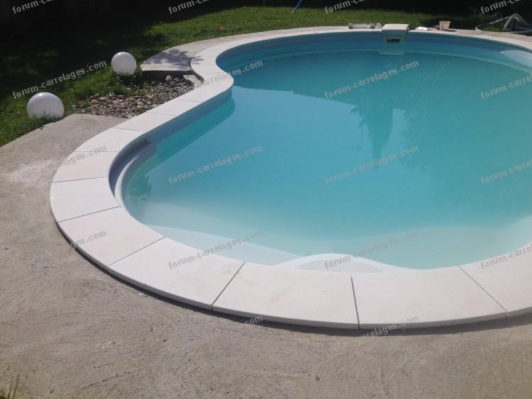 conseils travaux piscine pose de carrelage plage de. Black Bedroom Furniture Sets. Home Design Ideas