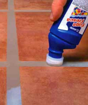 D coration de la maison peinture joint carrelage mapei for Pose joint carrelage